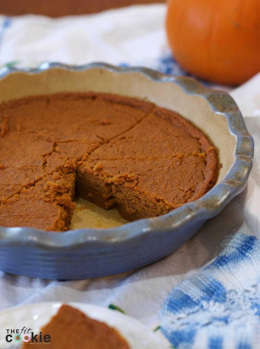 dairy free gluten free crustless pumpkin pie for Thanksgiving