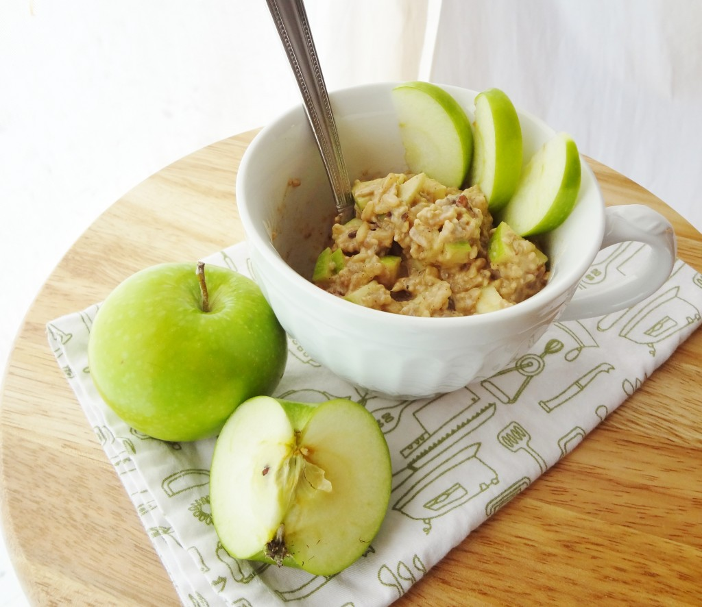 Make this quick and easy Apple Cinnamon Breakfast Bowl with leftover rice for a quick and healthy breakfast that's gluten free and vegan! - @TheFitCookie #glutenfree #vegan