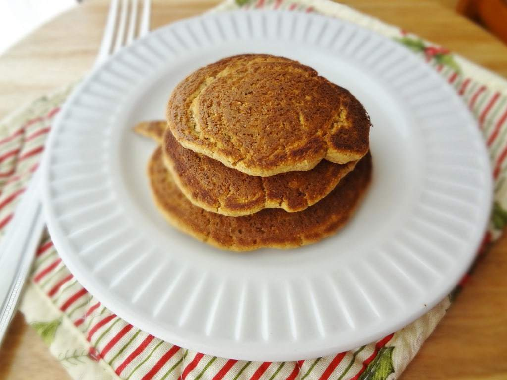 Single-Serving Protein Pancakes - @Fit_Betty #recipe #vegan #glutenfree