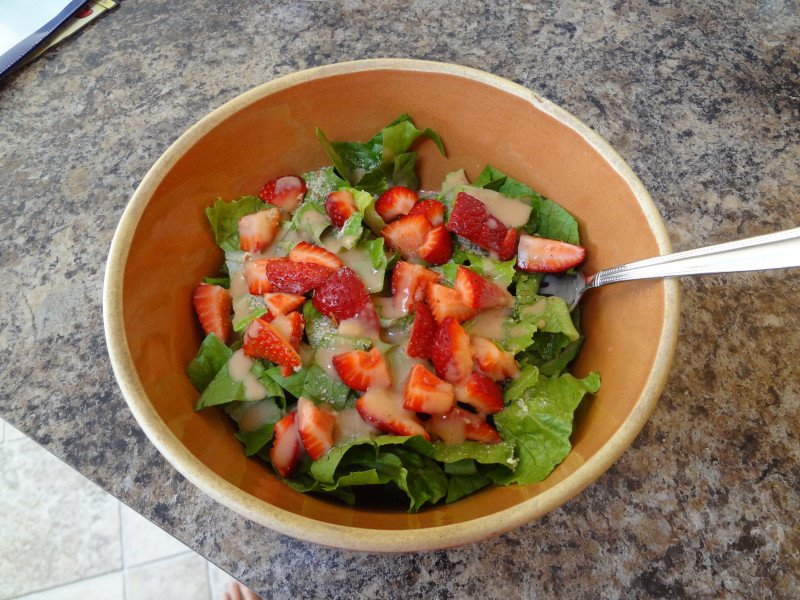 Strawberry Breakfast Salad - @Fit_Betty #recipe #cleaneating #salad