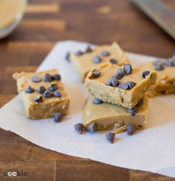 If you're looking for a grain free, low carb, and nearly sugar free treat, this SunButter Chocolate Chip Fudge is for you! This delicious treat is gluten free, vegan, peanut and soy free as well - @TheFitCookie #vegan #glutenfree