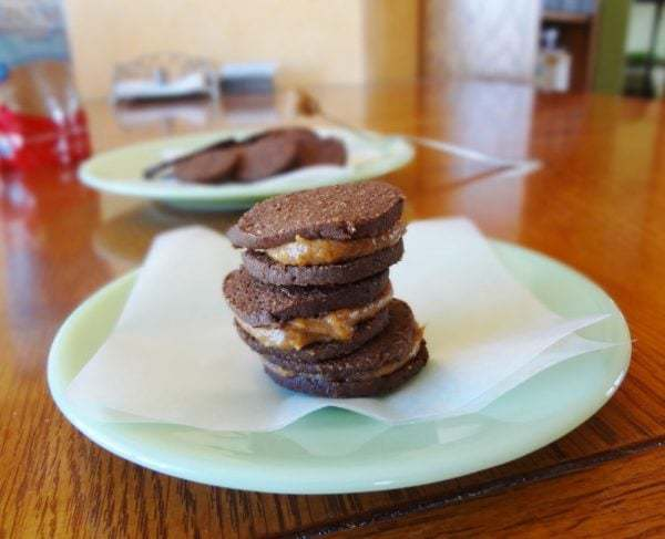 60 Gluten Free and Dairy Free Christmas Cookies: Gluten Free Chocolate Sandwich Cookies with Coconut Sugar Filling by The Fit Cookie #glutenfree
