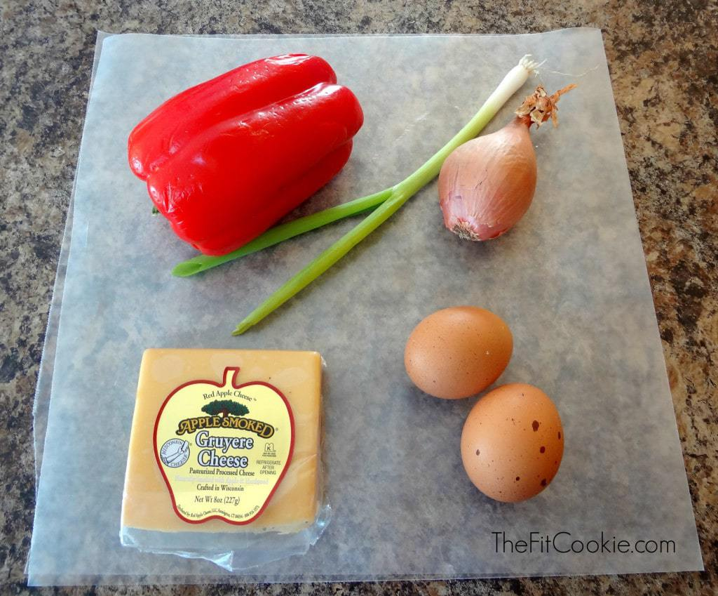 Easy Red Pepper and Gruyere Omelet - TheFitCookie.com