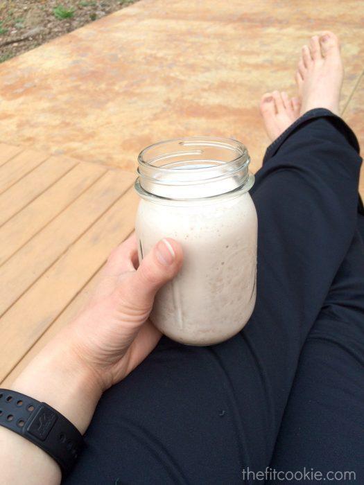 The perfect post-workout drink: Cherry Vanilla Recovery Shake - #ad @TheFitCookie #recipe #shake @AlmondBreeze #glutenfree