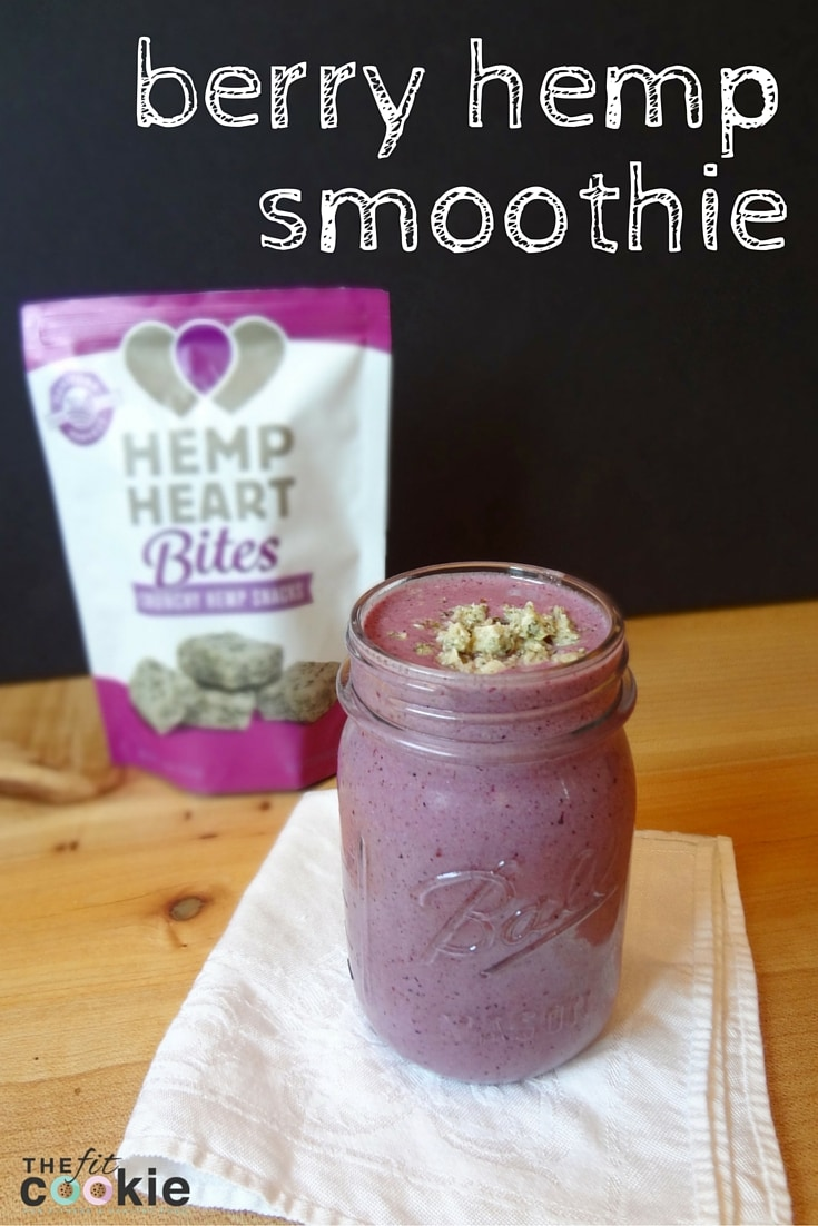 Drink the Rainbow: Berry Hemp Smoothie with Hemp Heart Bites {AD} @manitobaharvest #hhbites #sweatpink @fitapproach #smoothie #glutenfree #grainfree #vegan
