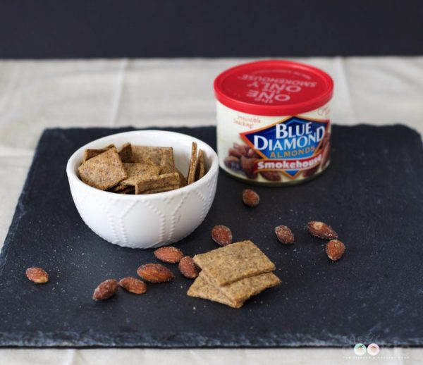 DIY Smokehouse Almond Crackers - #ad #GameChangingFlavors @bluediamond #vegan #recipe #glutenfree