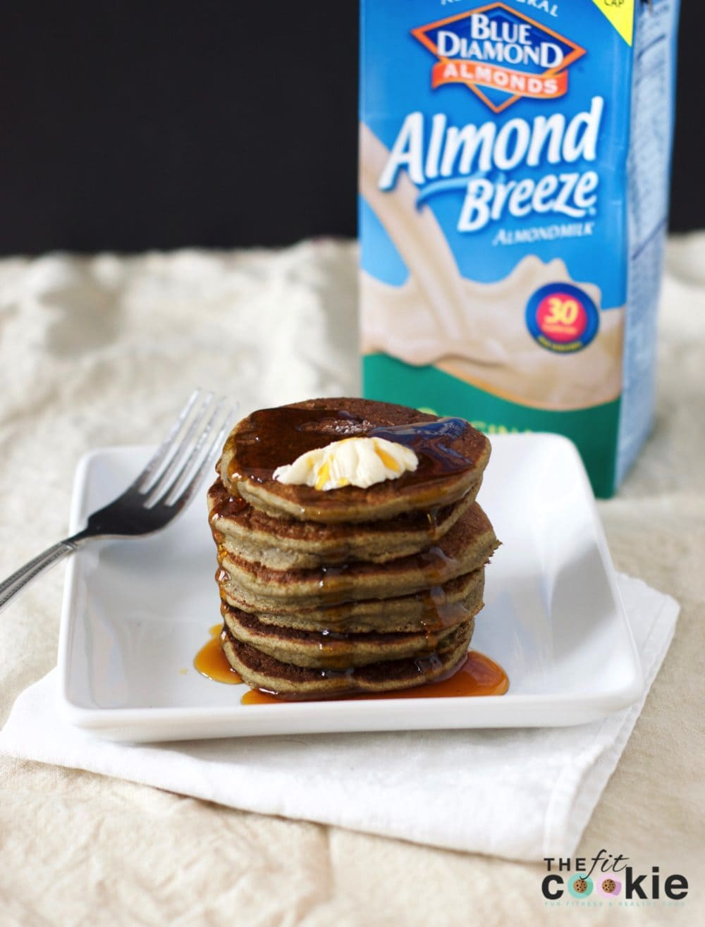 Start your breakfast off with these delicious Hemp Protein Pancakes that are add some extra protein to your morning with less sugar! These easy pancakes are vegan and peanut free - @thefitcookie #vegan #breakfast