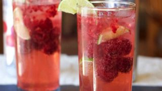 Raspberry Lime Sparkling Mocktail (Low Carb)