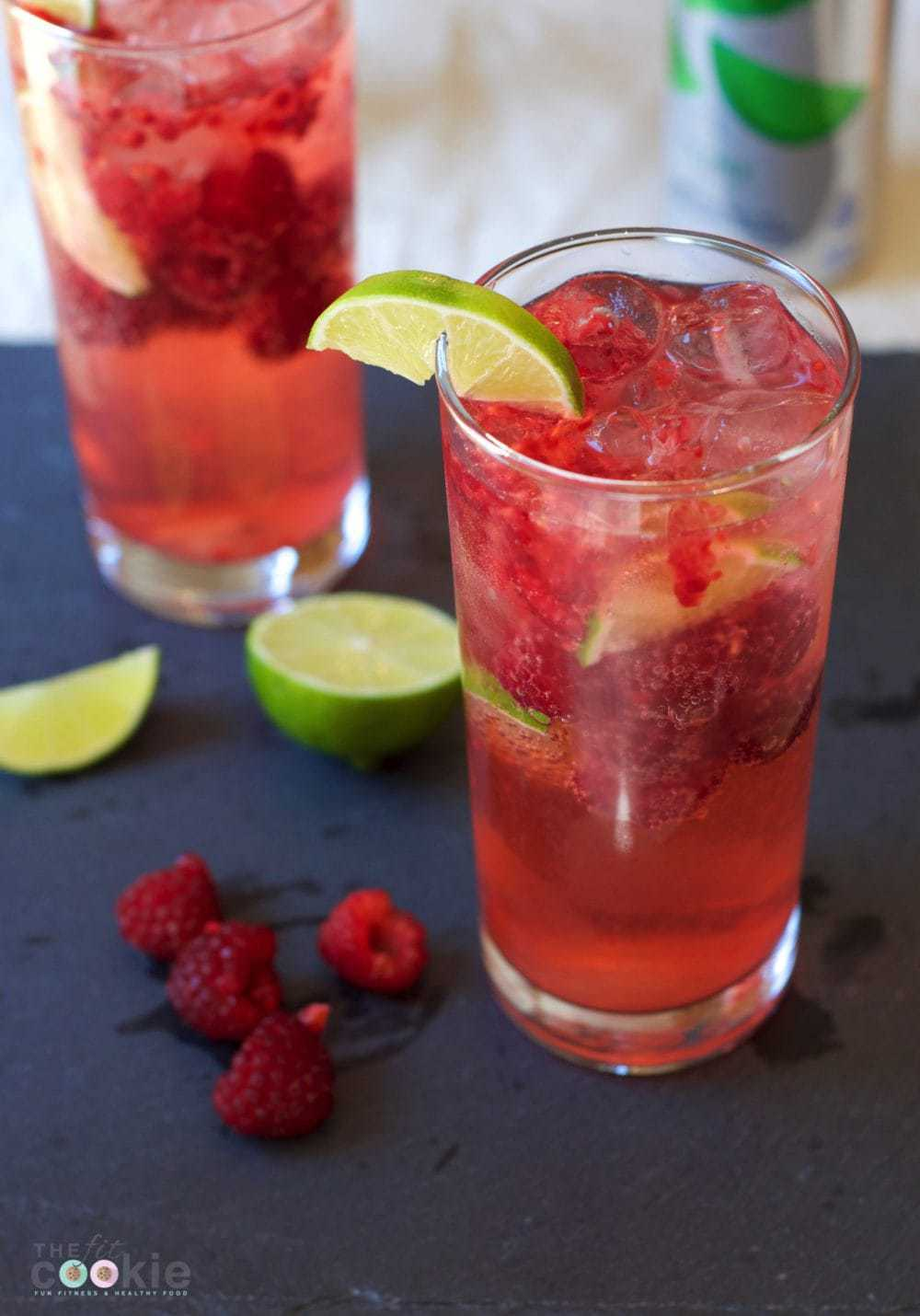 Take a break from the heat with this Cool Rasberry Lime Sparkler made with DASANI® Sparkling - #ad @thefitcookie #cbias #FindYourSparkle @dasaniwater #recipe