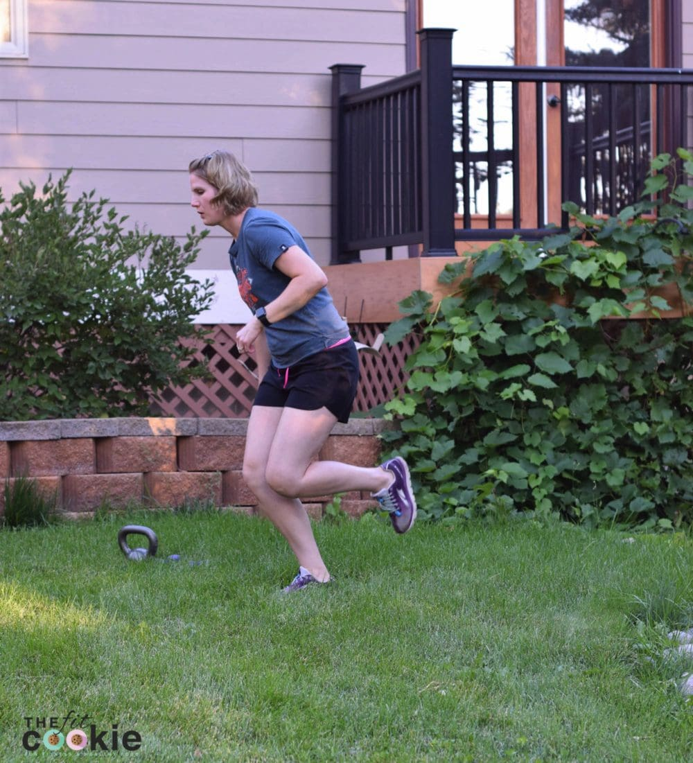 If you're a runner, you are probably no stranger to injury, but there are ways to prevent common overuse injuries with these 6 single-leg exercises for runners. - @TheFitCookie #fitness #running