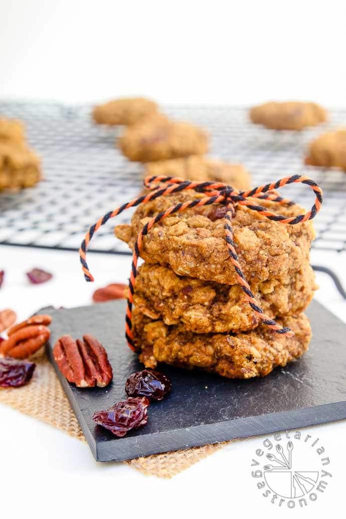 Pumpkin Pecan Breakfast Cookies - Vegetarian Gastronomy