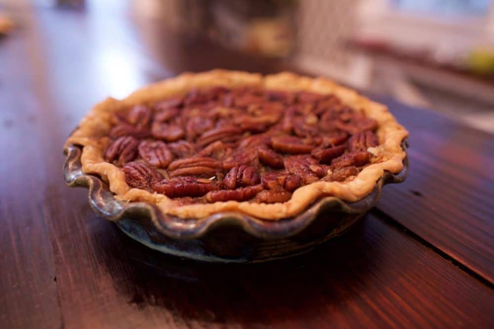 Make this Sugar Free Pecan Pie from @BittanySuell for your next holiday dinner! - @TheFitCookie #sugarfree #recipe #fitfluential