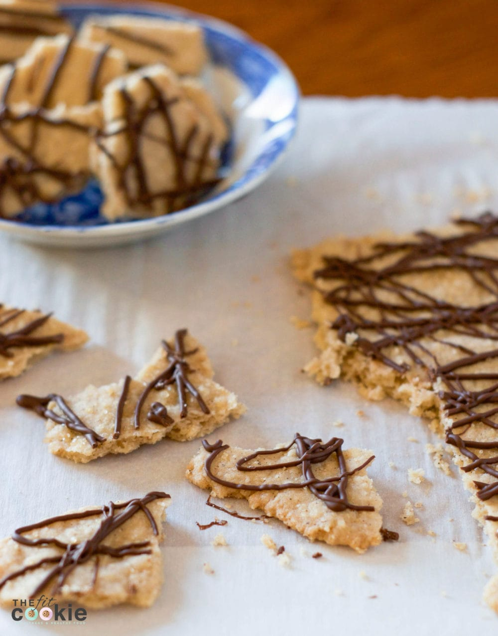 60 Gluten Free and Dairy Free Christmas Cookies: Gluten Free Spiced Cookie Brittle by The Fit Cookie #glutenfree