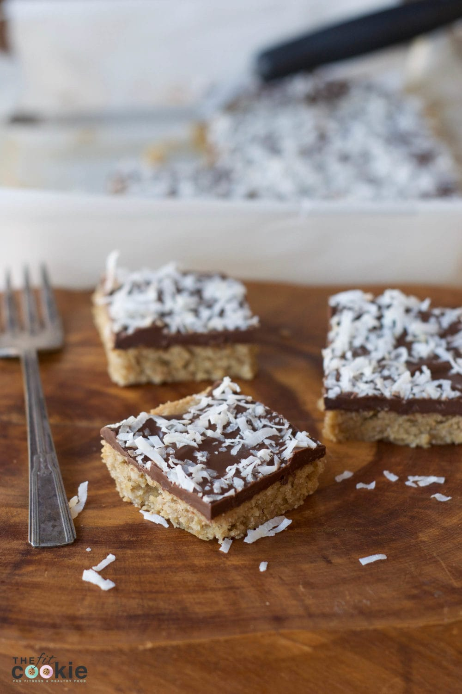 Gluten Free Chocolate Cookie Bars (Vegan) - @TheFitCookie #glutenfree #vegan #thereciperedux