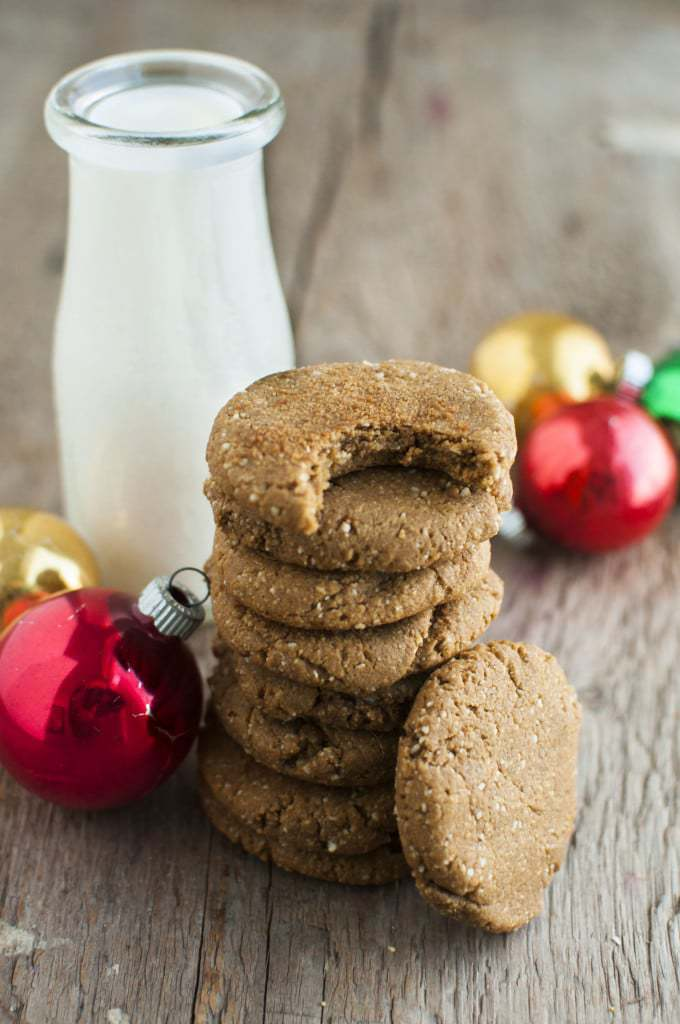 60 Gluten Free and Dairy Free Christmas Cookies: Soft and Chewy Ginger Molasses Cookies by The Organic Dietitian #glutenfree
