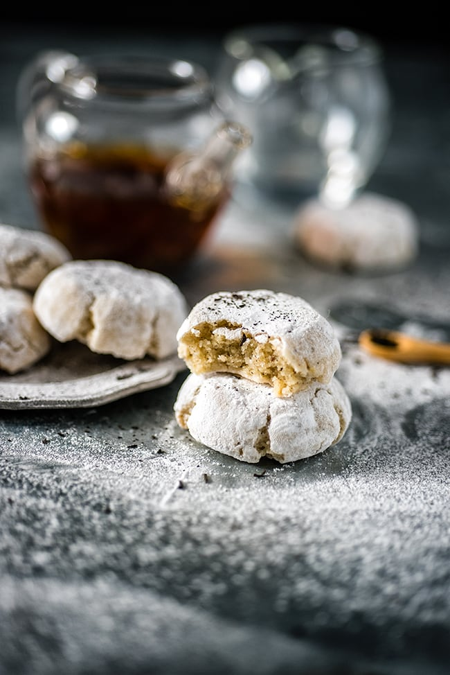 60 Gluten Free and Dairy Free Christmas Cookies: Earl Grey Ricciarelli Cookies by Supergolden Bakes #glutenfree