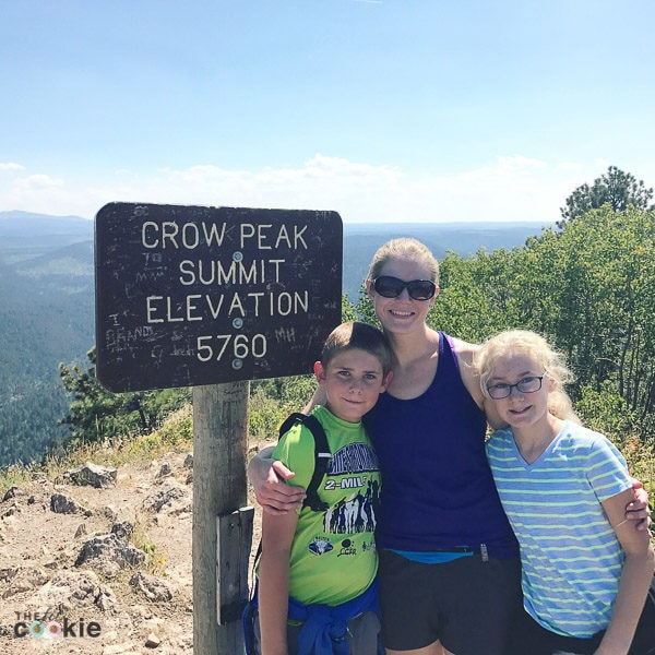 Looking for a fun, moderate difficulty trail to hike in the Black Hills? Crow Peak trail is a great trail with a wonderful view of Spearfish and the surrounding area - @TheFitCookie