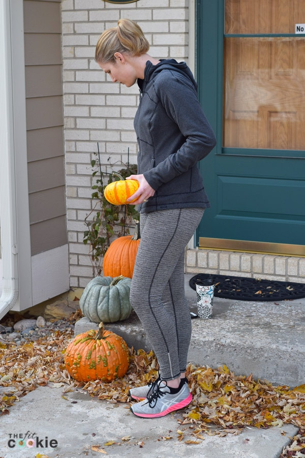 Fall is here and the weather is getting cooler, it's time to make sure that we stay healthy during the fall months! Here are 5 ways to stay healthy this fall so you can keep doing what you love - @TheFitCookie #AD #FitFluential #prAnaLovesMe | health | wellness | how to stay healthy | fall |