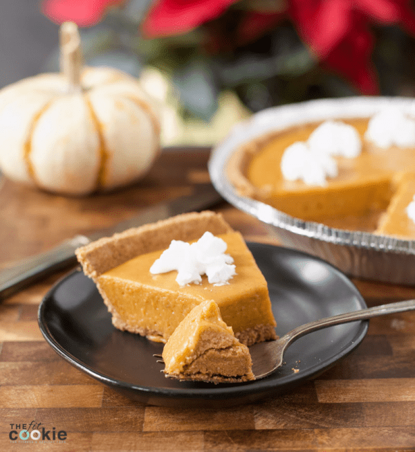 Skip the oven this holiday and make a No Bake Pumpkin Pie! This pumpkin pie has a graham crust and is gluten free and dairy free with a vegan option - @TheFitCookie #dairyfree #glutenfree #eggfree #pumpkin