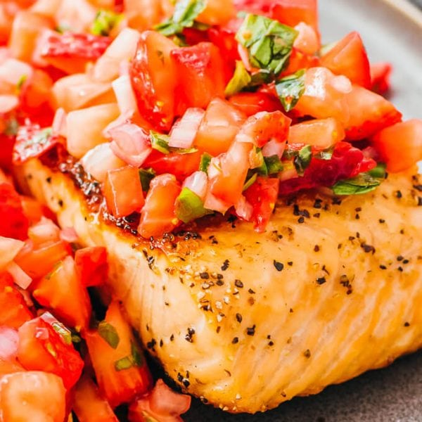 Pan Seared Salmon with Strawberry Relish - Savory Tooth