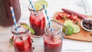 Paleo Hibiscus Tea w/ Strawberries – Agua de Jamáica